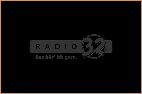 Radio32_Retina